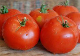 Томат Супер Клуша: характеристика и описание сорта, фото, урожайность